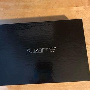 Suzanne Somers choker
